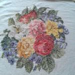 Процесс вышивки на заказ скатерти