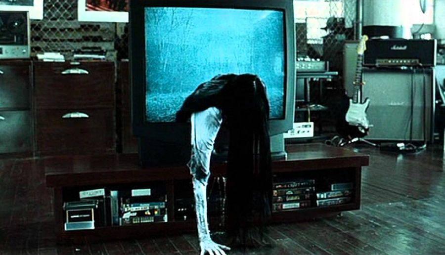 """""""Звонок"""", ремейк японского фильма ужасов, снятого в 1998 году Хидэо Накатой по мотивам одноименного романа Кодзи Судзуки"""